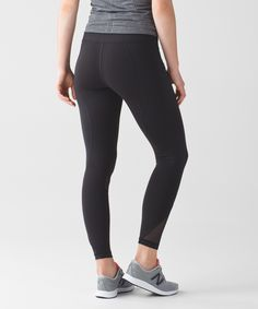 From mesh panels to reflective detailing, this 7/8-length tight is packed with features for sweaty workouts. We used Full-On® Luxtreme fabric to offer support, coverage and a cool, smooth feel.