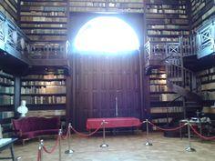 Aponiovská knižnica (hodnotená ako najkrajšia slovenská knižnica)