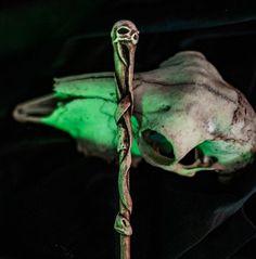 #accessories #costumeaccessories #wands #wand #witch #bones #spell #necronomicon #magicwand #wizard #harrypotter #ollivanders #deatheater #larp #skullwand #wizardcosplay