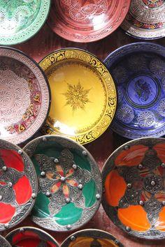 Cerâmica marroquina e suas cores deslumbrantes.