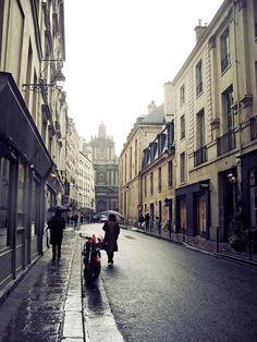   ♕   Paris street in Rain, roam those streets again