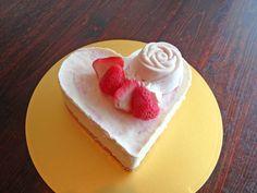 ハートのいちごレアチーズケーキ5号【誕生日 デコ バースデー ケーキ バースデーケーキ】