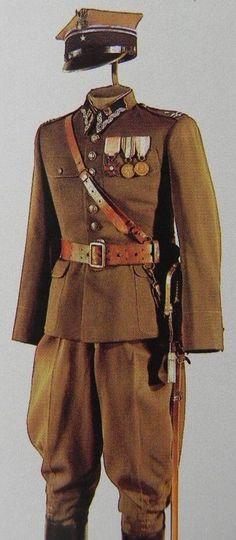 Polish uniform. Poland Ww2, Invasion Of Poland, Ww2 Uniforms, Military Uniforms, Troops, Soldiers, Interwar Period, Central And Eastern Europe, Army Uniform
