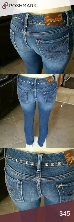 Seven7 boyfriend jeans Stretchy and skinny boyfriend jeans super cute and comfortable !! Super nice design 7 For All Mankind Jeans Boyfriend