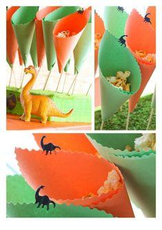 Rawr Dinosaur Birthday Party treat cones can be centerpiece Dinasour Party, Dinasour Birthday, Dinosaur Birthday Party, Birthday Party Treats, 3rd Birthday Parties, Birthday Party Decorations, Party Themes, Party Ideas, Festa Jurassic Park