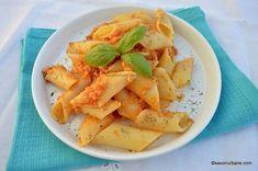 Sos pentru paste gen bolognese de post - rețeta vegană | Savori Urbane Gen, Paste, Bologna, Cantaloupe, Spaghetti, Fruit, Food, Lasagna, Essen