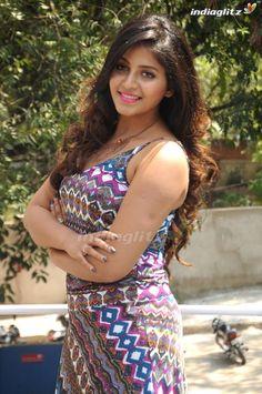Indian Actress Hot Pics, Indian Bollywood Actress, Bollywood Girls, Beautiful Bollywood Actress, Beautiful Actresses, Tamil Girls, Actress Photos, Indian Actresses, Beautiful Girl Photo