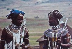 Thembu men wearing collar beads and other decorative Beads and they belong to the Xhosa stock African Culture, African History, African Art, Africa Tribes, Ancient Egyptian Jewelry, Xhosa, African Royalty, African Wedding Dress, Black Photography