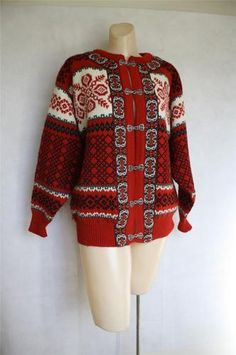Dale of Norway Classic Norwegian Pewter Clasp Wool Sweater Norwegian Knitting, Fair Isle Knitting, Sweater Design, Sweater Outfits, Wool Sweaters, Norway, Hygge, Sorting, Color Red