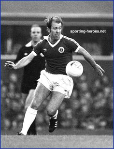 Howard Kendall - Everton - as a player. Football Music, Football Team, Bristol Rovers, British Football, Sky Tv, Everton Fc, Ac Milan, Chelsea Fc, Back In The Day