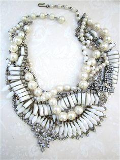 Risultati immagini per statement necklace