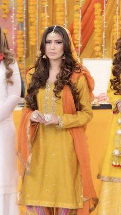 Wedding Photoshoot, Mehendi, Pakistani, Poses, Bride, Disney Princess, Stylish, Dresses, Fashion