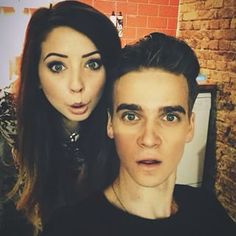 zoe and joe sugg Joe And Zoe Sugg, Joe Sugg, British Youtubers, Best Youtubers, Sugg Life, Marcus Butler, Caspar Lee, Ricky Dillon, Joey Graceffa