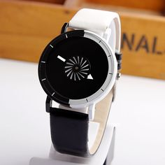 2016 Unieke Ontwerp Gemengde Kleuren Quartz Horloge Mannen Caleidoscoop Secondhands Ronde Dial Mode Eenvoudige Vrouwen Horloges Beste Geschenken in MODE HORLOGEbeschrijvingen:Diameter: Ongeveer 4.0 cmCase Dikte: Ongeveer 0.8 cmBand Materiaal: PU LeerBand Breedte: Onge van vrouwen horloges op AliExpress.com | Alibaba Groep