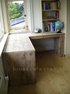 Pallet Desk, Pallet Furniture, Home Furniture, Home Office Design, Home Office Decor, Diy Office Desk, Rustic Office Desk, Desk For Girls Room, Camper Interior Design