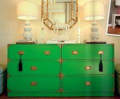 Сочный зеленый цвет в интерьере