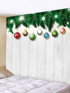 Christmas Ball Wood Grain Print Wall Art Tapestry - multicolor X INCH Elegant Christmas Decor, Decoration Christmas, 3d Christmas, Christmas Tree With Gifts, Christmas On A Budget, Christmas Balls, Simple Christmas, Church Decorations, Christmas Print