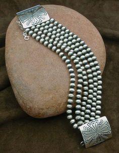Navajo Pearl bracelet-Spirit of Santa Fe