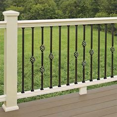 Panorama Composite deck railings with steel balusters