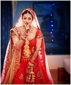 Divyanka Tripathi and Vivek Dahiya's Rang Dey Wedding Is Weaved of Dreams - Eventznu.com