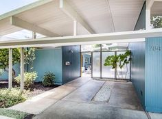 Refreshingly modern, remodeled Eichler home with lots to love! - 784 Duncardine Way, Sunnyvale, CA 94087 Mid Century Modern Design, Modern House Design, Modern Interior Design, Mid Century Exterior, Modern Ranch, Modern Exterior, Ranch Exterior, Exterior Colors, Retro Home Decor