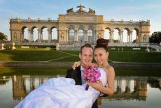 Braut auf Händen - vor der Gloriette