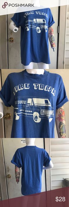 🚙 VINTAGE • Royal blue Tire Town Graphic t-shirt -🚙 ROYAL BLUE TIRE TOWN GRAPHIC ADVERTISEMENT/LOGO T-SHIRT || size large --- • great vintage shape; very minimal fading, very minimal cracking, no holes or stains of any sort • 50/50 cotton + polyester --- #vintagetee #vintagetshirt #graphictee #logotee #advertisement #tiretown Vintage Shirts Tees - Short Sleeve