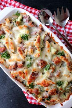 Enkel, krema pølsegrateng - LINDASTUHAUG Vegetable Pizza, Lasagna, Quiche, Nom Nom, Food And Drink, Pasta, Baking, Vegetables, Breakfast