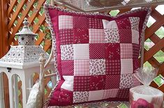 Mackawork / patchwork obliečka 40x40 cm bordovo - ružovo - biela Quilts, Blanket, Scrappy Quilts, Cushions, Quilt Sets, Blankets, Carpet, Log Cabin Quilts, Lap Quilts