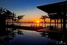 Sunset. Mansão em Miami Beach.