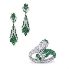 A GROUP OF EMERALD AND DIAMOND JEWELLERY