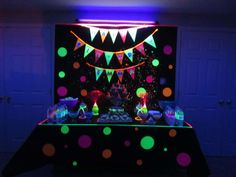 Susan C's Birthday / glow in the dark - Glow In The Dark Dance Party at Catch My Party Birthday Party Tables, 14th Birthday, Blacklight Party, Birthday Gifts For Teens, Birthday Ideas, Troll Party, Glow Party, Party Entertainment, Holidays And Events