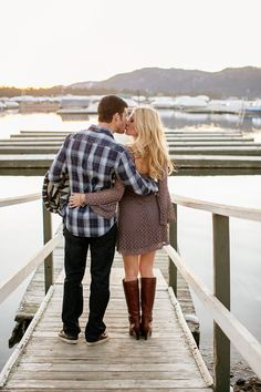 Big Bear Lake engagement photos #engagement #photos #dock
