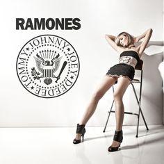 Vinilo decorativo con el logotipo del grupo musical Ramones.