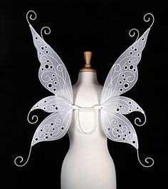 Fairy Wings - On Gossamer Wings I want these to have blue and purple accents and they would be perfect for my wedding. Fall Halloween, Halloween Costumes, Carnival Costumes, Diy Wings, Gossamer Wings, Fairy Clothes, Fairy Dress, Fantasy Costumes, Halloween Disfraces