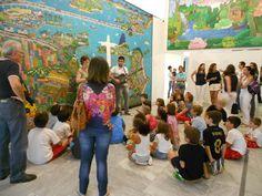 """O Museu Internacional de Arte Naïf do Brasil (MIAN) promove no dia 9 de julho, a partir das 15h,  uma visita mediada """"Rio de Janeiro em Cores e Sons"""", com entrada a R$ 10 por criança (Acompanhantes pagam R$ 12)."""