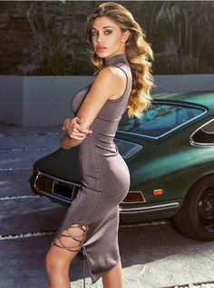 Beautiful and Hottest Porsche Models Inspiring for Art Photography Sexy Cars, Hot Cars, Car Girls, Pin Up Girls, Porsche 911, Sexy Autos, Up Auto, Belen Rodriguez, Porsche Models
