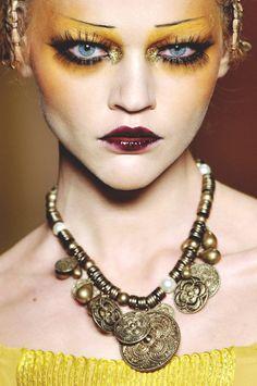 Beautiful Jewelry...   Source: mentalstability, via casadivetro)