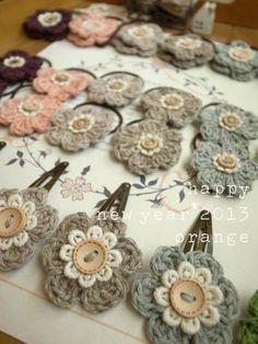 crochet hair clip flowers