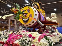 Keep Calm and Craft On: Volunteering to decorate the Tournament of Roses Parade Floats Decorating Process.