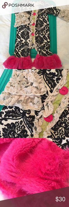 👭[Giggle Moon] ruffle pant suit Perfect condition. Snaps in stride.  Fits generous. Giggle Moon One Pieces