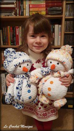 Háčkovaný snehuliak – Le Crochet Monique Dekorácie Hračky Crochet Animals, Crochet Hats, Puppets, Winter Hats, Crochet Patterns, Teddy Bear, Knitting, Toys, Holiday