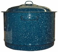 Granite Ware 6722-2 19-Quart Menudo Pot by Granite Ware. $28.53. Glass like surface does not interact with food; Cleans up easily with warm soapy water; Durable, chip resistant; 19 Quart capacity; Steel core evenly distributes heat. This large pot is sized properly for menudos.  The technology for apply porcelain creates a durable, chip resistant product that lasts most families a lifetime.  The  glass like surface is inert and does not react with or alter the taste ...