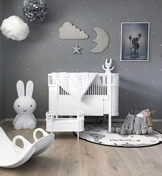 We're down to the last @camcam_cph Moon/Star/Cloud wall decor. The perfect piece for a nursery whether it be boy or girl. Check out the greys in this room - just gorgeous! Image @stine.moi . . . . #camcam #moon #walldecor #nurserydecor #nurseryinspiration #nurseryinspo #nurserywalldecor #scandidecor #decorforkids #onlinestore #scandinursery #afterpay #childrensboutique #kidsstore #boutiqueshopping #babydecor #babygiftideas #sweetlittledreams