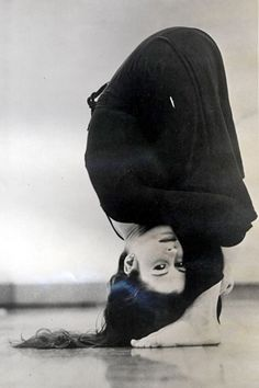 1970: Meredith Monk, an American composer & film maker practicing yoga (vintage yoga photo) ...... #vintageyoga #yogahistory #1970s #yogaworld #om #namaste #yoga