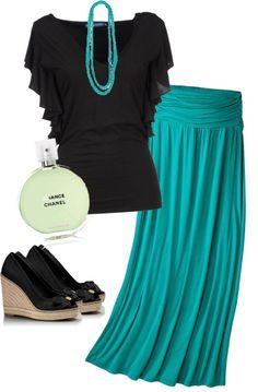 Teal maxi skirt works so well with this black short sleeved tunic.  Love how the necklace perfectly matches the skirt.  Get the look with a teal maxi skirt only $15.99 now.