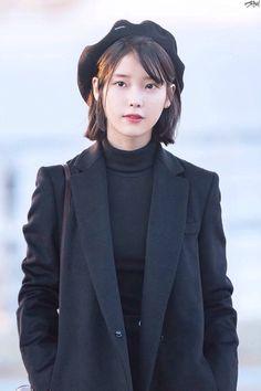 Image about hair in Style Iu Fashion, Korean Fashion, Style Fashion, Iu Short Hair, Taeyeon Short Hair, Korean Celebrities, Celebs, Asian Woman, Asian Girl