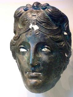 - Mascara Romana de desfile de Caballeria . Bronce   75-125 CE ./tcc/