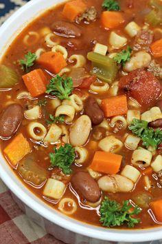 The Ultimate Pasta e Fagioli Soup! Pasta Fagioli Recipe Slow Cooker, Pasta E Fagioli Soup, Slow Cooker Pasta, Pasta Soup, Pasta Dishes, Crockpot Recipes, Soup Recipes, Cooking Recipes, Chili Recipes