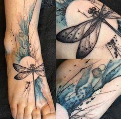 Dragonfly tattoo on foot – Tattoo Designs Circle Tattoos, Foot Tattoos, Body Art Tattoos, New Tattoos, Sleeve Tattoos, Tatoos, Garter Tattoos, Rosary Tattoos, Crown Tattoos